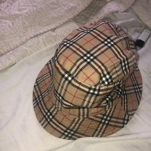 Burberry bucket hat vintage